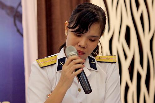 Chị Trần Thị Thủy - xúc động trong sự kiện ra mắt sách