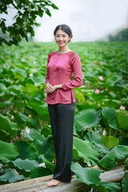Không tham gia showbiz nhưng Ngọc Linh vẫn nhận lời làm mẫu ảnh những khi rảnh rỗi.