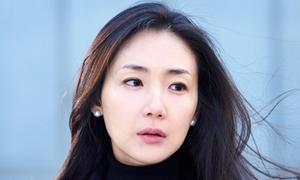 Choi Ji Woo thừa nhận chồng kém 9 tuổi