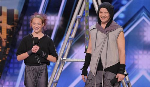 Hai bố con Sergey và Sasha Korolev.