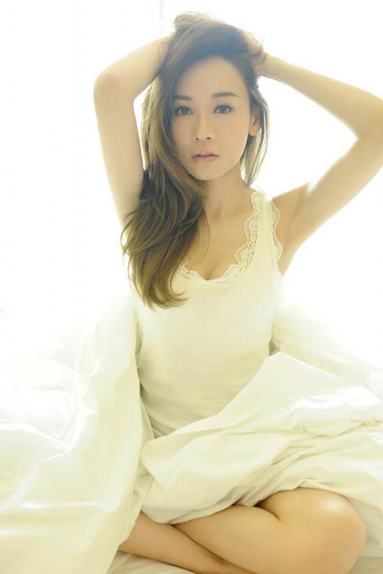 Hoa hậu Hong Kong chụp ảnh ghi dấu tuổi 40