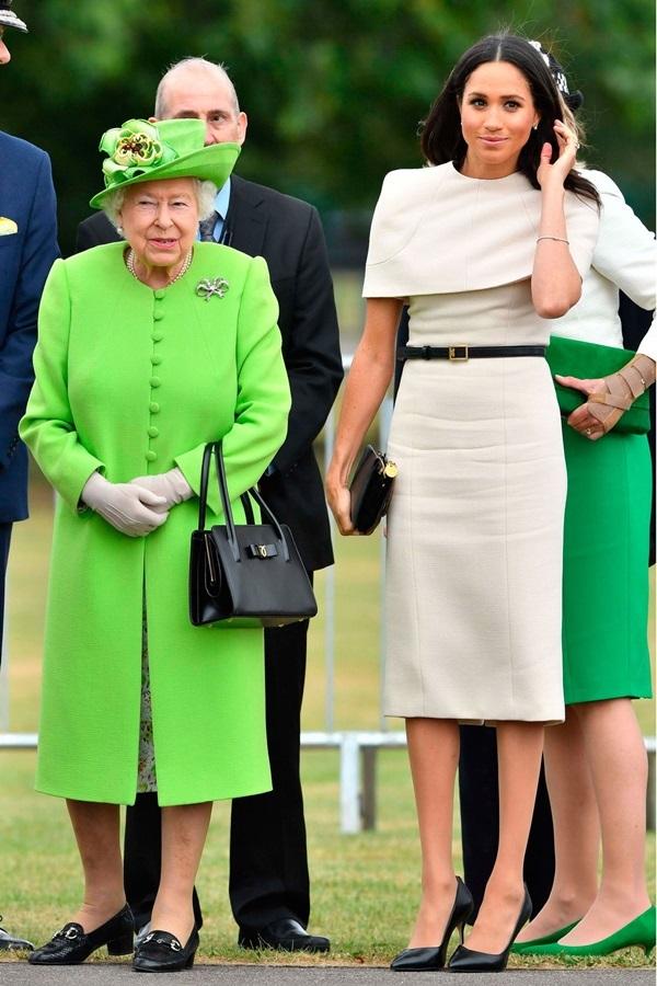 Công nương Meghan Markle chuộng mặc tối giản sau khi cưới