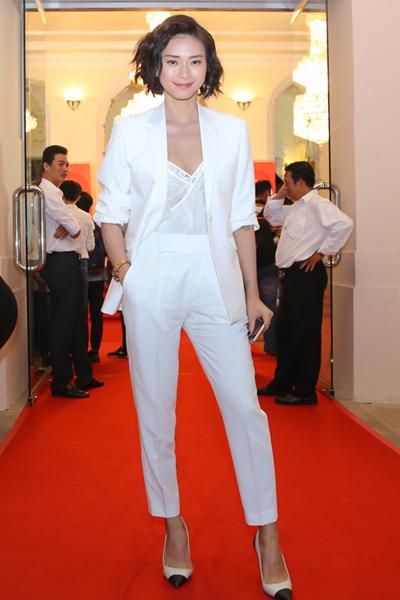 Cô dự lễ trao giải cuộc thi phim ngắn dành cho các bạn trẻ mê điện ảnh. Ngô Thanh Vân nằm trong ban giám khảo, bên cạnh đạo diễn Quang Dũng và biên kịch Thiên Hương.