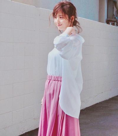 Trang phục giấu bụng bầu của Mỹ nhân đẹp nhất Nhật Bản - 2