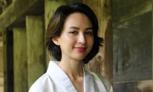 Hoa hậu Ngọc Diễm vãn cảnh chùa cổ ở Nhật