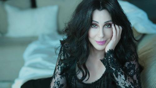 Ca sĩ Cher.