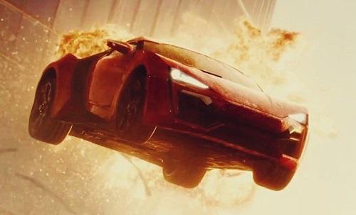 Siêu xe Lykan HyperSport xuất hiện trong cảnh quay nổi tiếng.