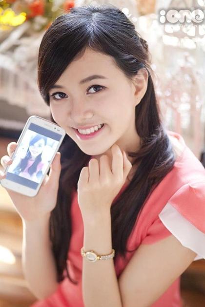 Không chỉ xinh đẹp, Thanh Vân còn có học tích học tập tốt. Thời cấp ba, cô là học sinh ban Tự nhiên trường thuộc trường chuyên của tỉnh. Cô theo học chương trình tiên tiến chuyên ngành Kinh tế đối ngoại của Đại học Ngoại thương Hà Nội ba năm đầu. Năm cuối, Vân sang Mỹ du học theo chương trình liên kết (2014).