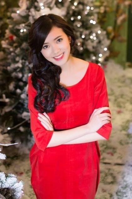 Chiều cao và ngoại hình xinh xắn giúp Thanh Vân trở thành hot girl của trường, được báo chí chú ýthời còn đi học. Người đẹp từng vào vòng chung kết Hoa hậu Phụ nữ Việt Nam qua ảnh 2012, Á hậu khôi dáng Ngoại thương Hà Nội 2013.