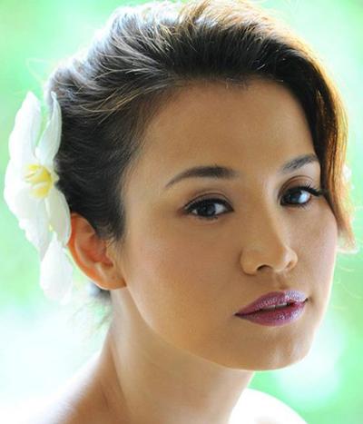 Vẻ đẹp tuổi 40 của hoa hậu Ngọc Khánh.
