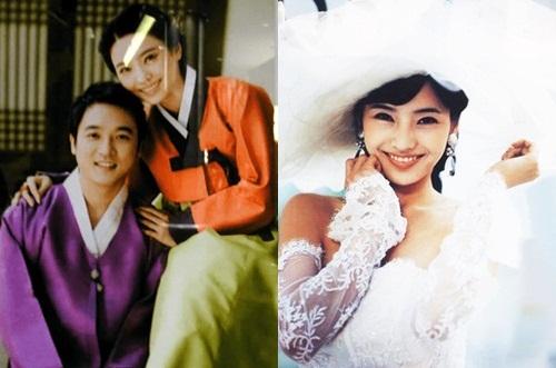Han Chae Young là một trong nhữngbiểu tượng nhan sắcHàn Quốc đầu thập niên 2000. Cô quen thuộc với khán giả trong Trái tim mùa thu,Chỉ riêng mình em (Onlyyou), Bắc Kinh tình yêu của tôi...Năm 2007, khi sự nghiệp đang khởi sắc, người đẹpbất ngờ kết hôn với Choi Dong Joon - chuyên gia tài chính kiêm doanh nhân người Mỹ gốc Hàn. Theo Daum, Choi Dong Joon theo đuổi Chae Young từ khi cô học cấp ba, gần támnăm sau đó cô mới chấp nhận tình cảm.Việc cầu hôn của cặp sao gây xôn xao suốt thời gian dài. Doanh nhân điển traitặng nữ diễn viên nhẫn kim cương 5 cara (trị giá hơn 4 tỷ đồng) - tương đương giá trị căn hộ rộng 100 m2 ở khu nhà giàu Gangnam thời điểm đó vàchiếc xe Benz trị giá tới 700 triệu won (khoảng 14 tỷ đồng).