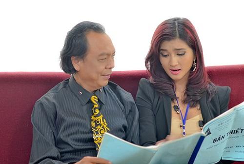 Thanh Hoàng (trái) và Kim Tuyến trong phim.