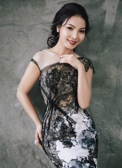Ca sĩ Khánh Loan.