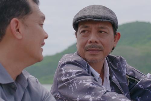 Thanh Hoàng diễn cùng Hữu Châu trong một phim điện ảnh năm 2017.