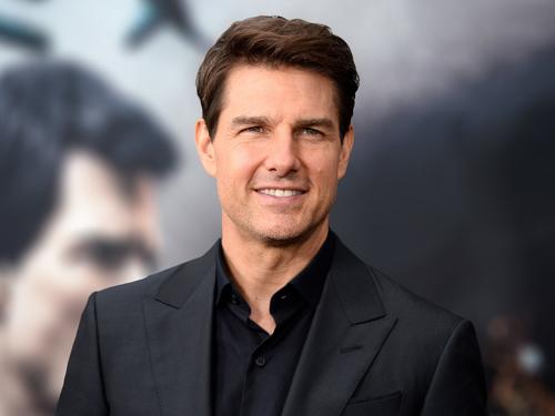 Tom Cruise lẻ bóng ở tuổi 56.