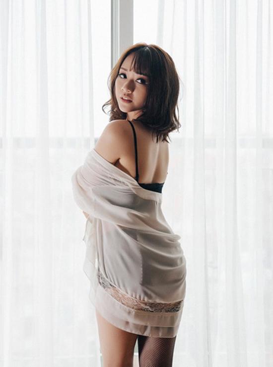 Vẻ sexy của mỹ nữ phim 'Gạo nếp gạo tẻ'