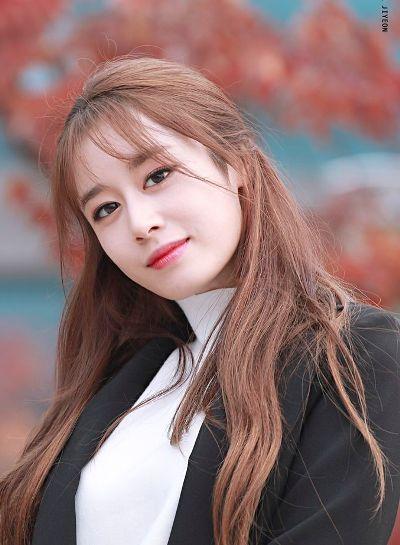 Thành viên nổi bật của T-ara có nhan sắc ngọt ngào và rất được yêu thích ở Hàn Quốc.