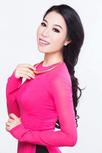 Ca sĩ Tánh Linh là một trong những khách mời của chương trình.