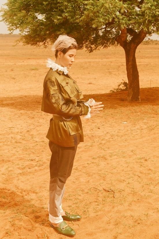 Vũ Cát Tường hóa hoàng tử với trang phục phi giới tính
