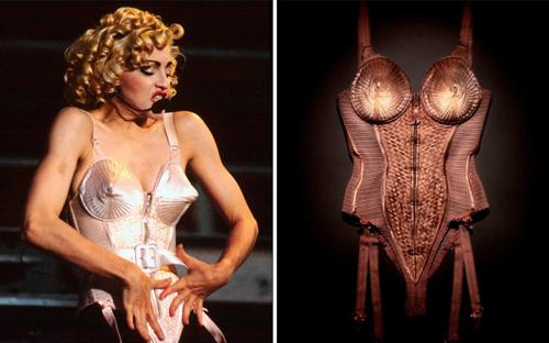 Chiếc áo corset mạnh mẽ do Jean-Paul Gaultier thiết kế được Madonna mặc trong tour Blond Ambition. Ảnh: PA.