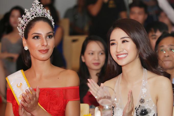 Hoa hậu Thu Ngân diện váy xuyên thấu tôn 'eo con kiến'