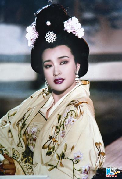 Trước khi bị bắt, Lưu Hiểu Khánh là minh tinh lừng danh Trung Quốc, nổi tiếng với Võ Tắc Thiên, Lửa thiêu cung A Phòng...