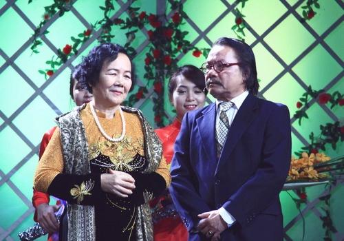Bùi Cường và Đức Lưu (vai Thị Nở)hội ngộ ở lễ trao giải Cánh Diều Vàng 2014.