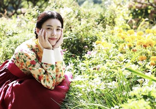 Loạt khoảnh khắc giúp Han Hyo Joo là  Nữ hoàng cổ trang Hàn Quốc