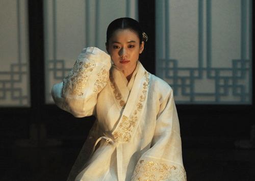 Loạt khoảnh khắc giúp Han Hyo Joo là  Nữ hoàng cổ trang Hàn Quốc - 6