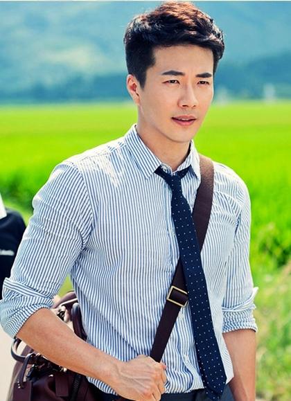 Biến đổi ngoại hình của Hoàng tử khóc Kwon Sang Woo qua 17 năm - 9