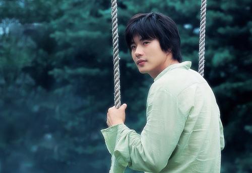 Biến đổi ngoại hình của Hoàng tử khóc Kwon Sang Woo qua 17 năm - 6