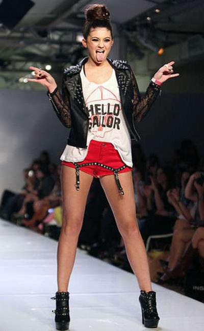 Em gái Kim Kardashian từng có thời gian thử làm người mẫu nhưng không theo đuổi nghề này.