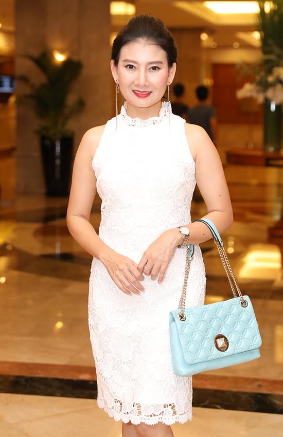 Dàn sao dự tiệc cưới con gái NSND Hồng Vân