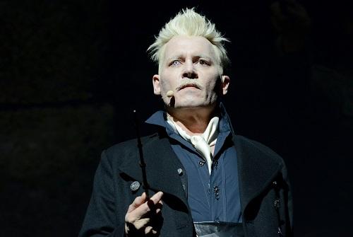 Johnny Depp trong lầnxuất hiện gần đây ở lễ hội Comic Con tại San Diego (Mỹ) để quảng bá phim Fantastic Beasts: The Crimes of Grindelwald.