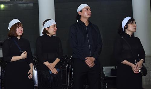 Con gáiBùi Liên, Bùi Ly, con rể Vũ Thủy, em vợ (từ trái qua) của NSƯT Bùi Cường.