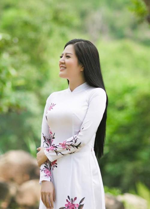 Ca sĩ Đinh Hiền Anh làm mới mình với Thương (bài xin Edit)