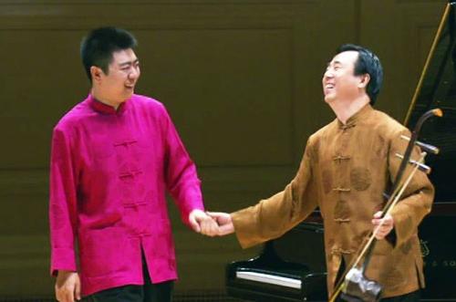 Lang Lang và cha song tấu đàn nhị - dương cầm tại Carneige Hall.