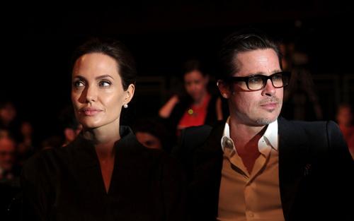 Brad Pitt và Angelina Jolie chia tay gần hai năm.