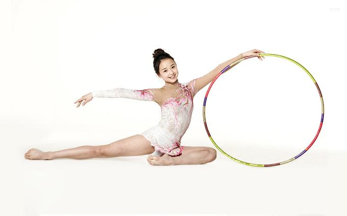 Gu mặc nữ tính của cựu vận động viên thể dục dụng cụ Hàn Quốc