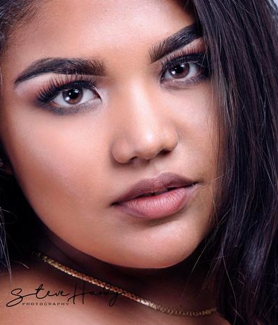 Thí sinh Hoa hậu Hoàn vũ Guam gây bàn tán vì quá béo - ảnh 4