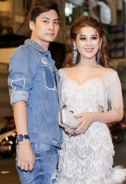Vợ chồng Lâm Khánh Chi háo hức đón con đầu lòng.