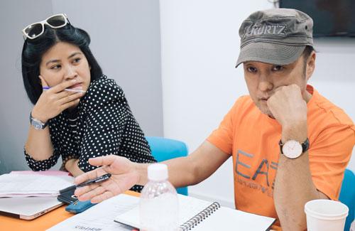 Nhà sản xuất Nguyễn Hoàng Hạnh Nhân và đạo diễn Park Hee Jun.