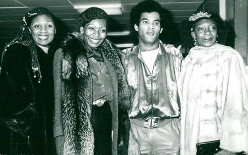 Các thành viên Boney M thời mới ra mắt. Từ trái qua: Maizie Williams, Liz Mitchell, Bobby Farrell, Marcia Barrett.
