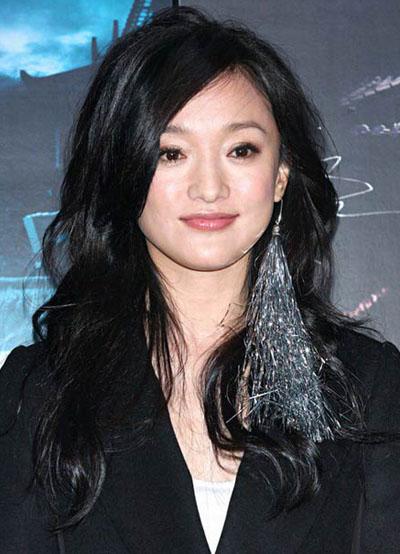 Nữ diễn viên quảng bá phim Họa bì năm 2008. Thập niên 2000, người đẹp khẳng định vị trí đại hoa đán màn ảnh Hoa ngữ với hàng loạt tác phẩm tiêu biểu như