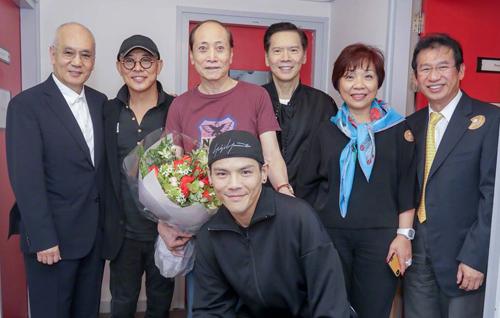Lý Liên Kiệt hội ngộ bạn bè ở Hong Kong. Thời gian gần đây anh hiếm khi góp mặt ở sự kiện giải trí mà thường hành hương nhiều ngôi chùa.