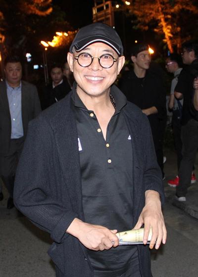 Theo Appledaily, tối 16/8, Lý Liên Kiệt xem kịch ở Hong Kong.