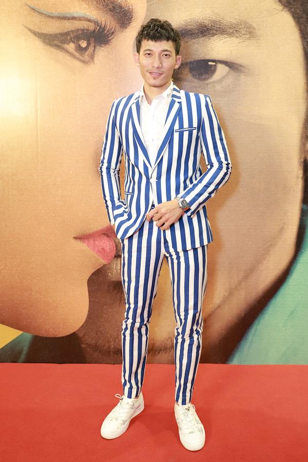Liên Bỉnh Phát có vai diễn đầu tay trong phim. Anh xuất thân MC, được xem là gương mặt mới của điện ảnh.