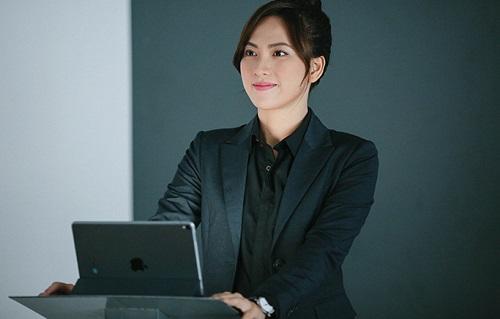Nhân vật của Phương Anh Đào trong phim mới là mẫu phụ nữ tự tin, muốn khẳng định bản thân trong môi trường làm việc cónam giới chiếm ưu thế.