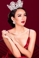 Hoa hậu Ngọc Diễm chụp ảnh kỷ niệm 10 năm đăng quang