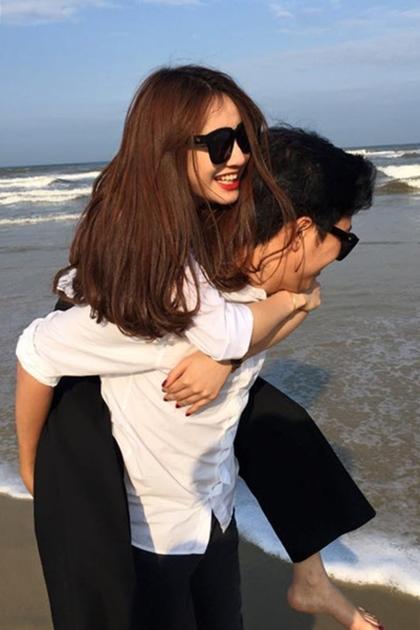 Sau nhiều lần úp mở, vào tháng 4/2016, Nhã Phương chính thức công khai tình cảm của mình và Trường Giang trên trang Facebook cá nhân.